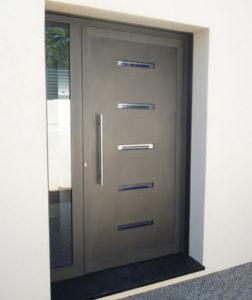 Porte d'entrée en aluminium de la gamme schuco par littoral aluminium