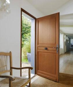 Porte en bois de chez Lapeyre